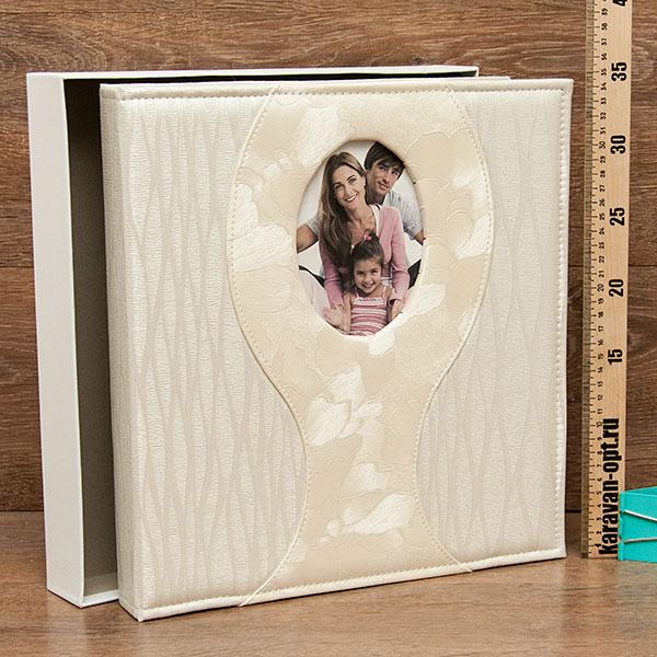 Фотоальбом магнитный 20 листов в боксе Свадебный 35*33см. 2вида
